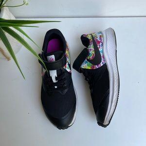 Nike🔴multicolor athletic shoes sz 1Y